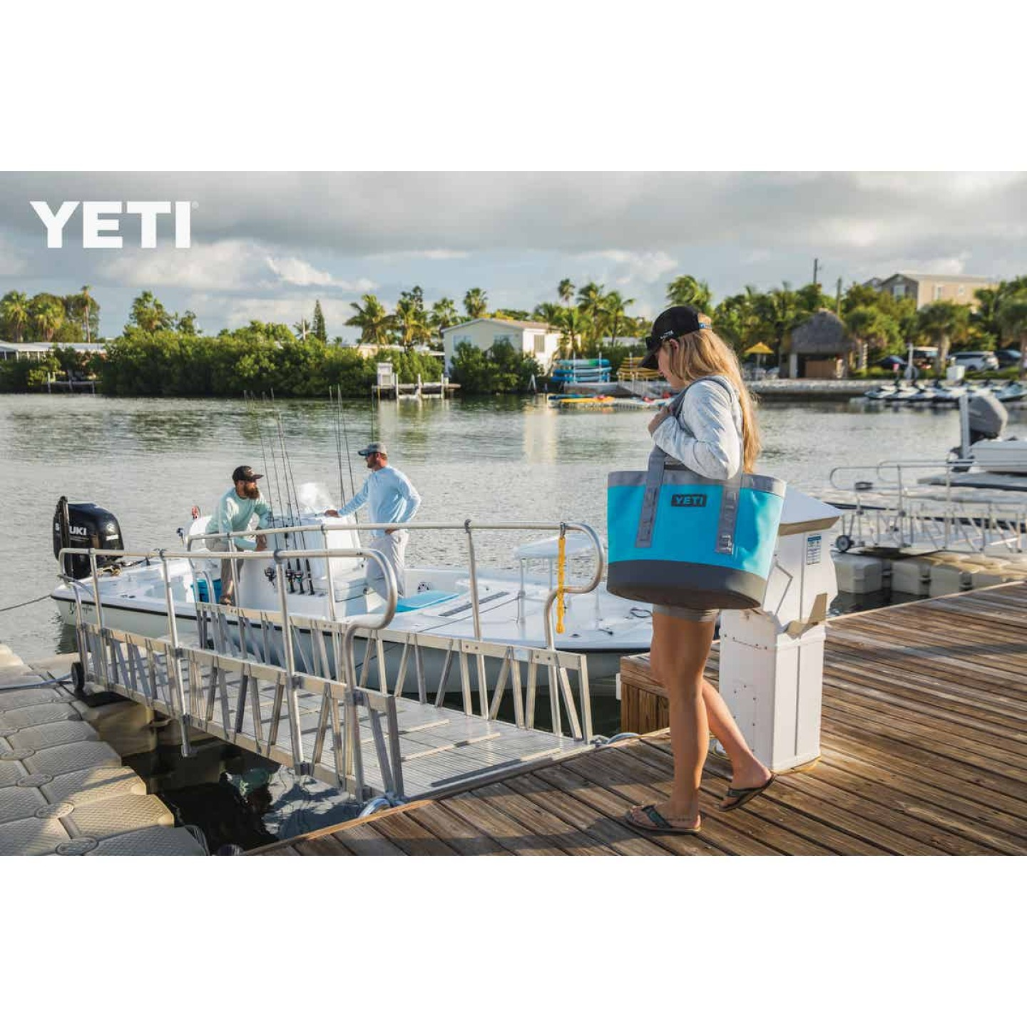 Yeti Camino Carryall 35 9.84 In. W. x 14.97 In. H. x 18.11 In. L. Reef Blue Tote Bag Image 2